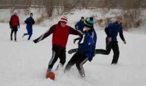 Брянцам предложили пострелять и сыграть в футбол на снегу