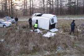 На брянской трассе два фургона оказались в кювете