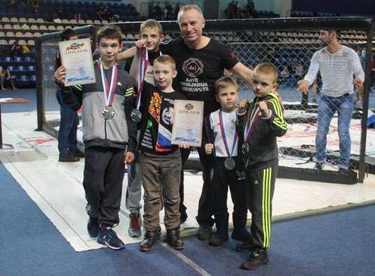 Шестеро брянских ребят победили на бойцовском турнире