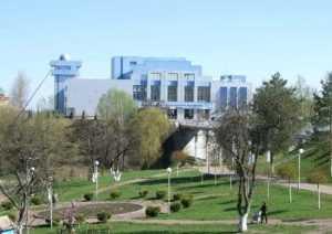 Брянского губернатора попросили спасти от развала дворец имени Гагарина