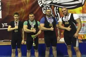 Брянские силачи заняли призовые места на соревнованиях в Санкт-Петербурге