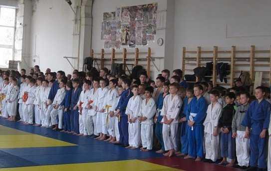 В Брянске 200 дзюдоистов сразились на турнире памяти Олега Визнюка