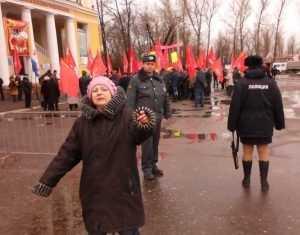 Коммунисты на митинге потрясли брянцев исполнением троллейбусного гимна