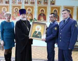 Брянский зек подарил детскому дому икону Матроны Московской