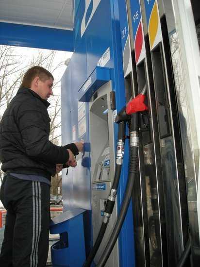 Бензин подорожает с 1 апреля
