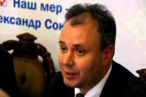 Черниговский депутат заглушил свой танк перед брянской границей