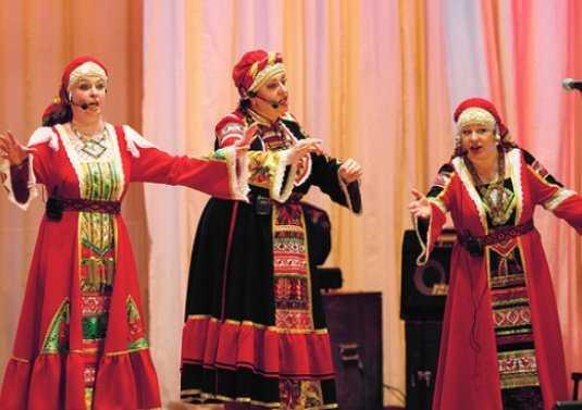 Брянская «Дебряночка» споёт с депутатом и казаками