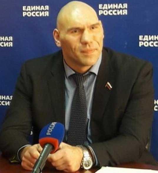 Николай Валуев нанес в Брянске первый предвыборный удар