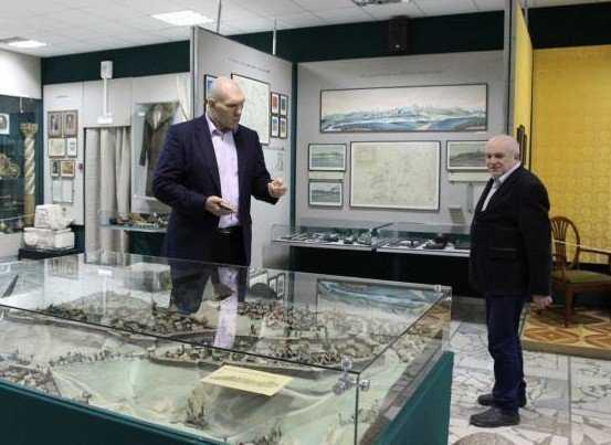 Николай Валуев привезет брянскому музею чучело волка