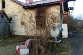 Под Брянском во время пожара пострадал хозяин дома