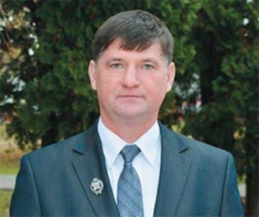 Экс-главу Стародубского района за мошенничество наказали условным сроком
