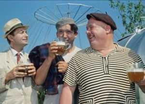 Брянских продавцов наказали за торговлю просроченным пивом