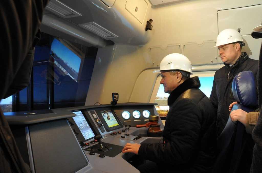 На Брянском машзаводе появился первый в России тренажёр кабины тепловоза