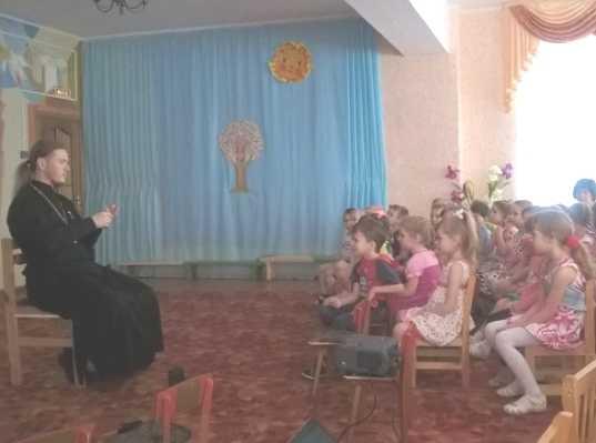Брянским дошколятам рассказали о сотворении мира