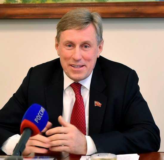 Брянский депутат Виктор Гринкевич: сильные обязаны помогать