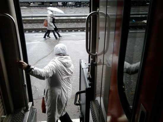 Прокуратура проверит, почему брянскую школьницу не пустили в поезд