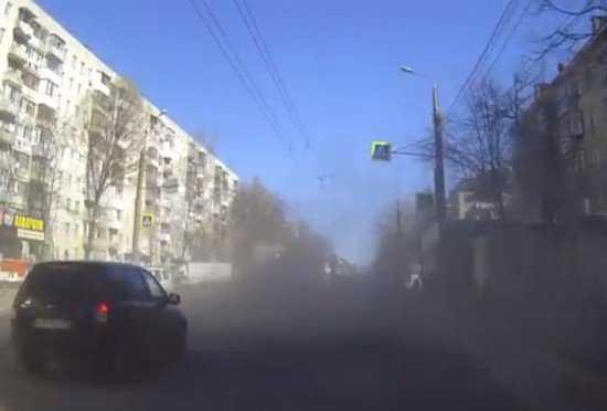 Пылевые атаки дорожников вывели брянцев из себя