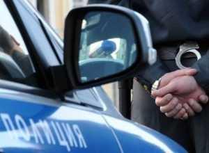 Брянского полицейского и его родственницу осудили за мошенничество