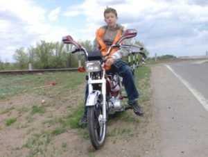 Юного нарушителя брянские гаишники лишили подаренного скутера