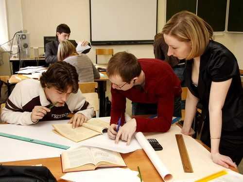Из 27 брянских техникумов и колледжей останется 10
