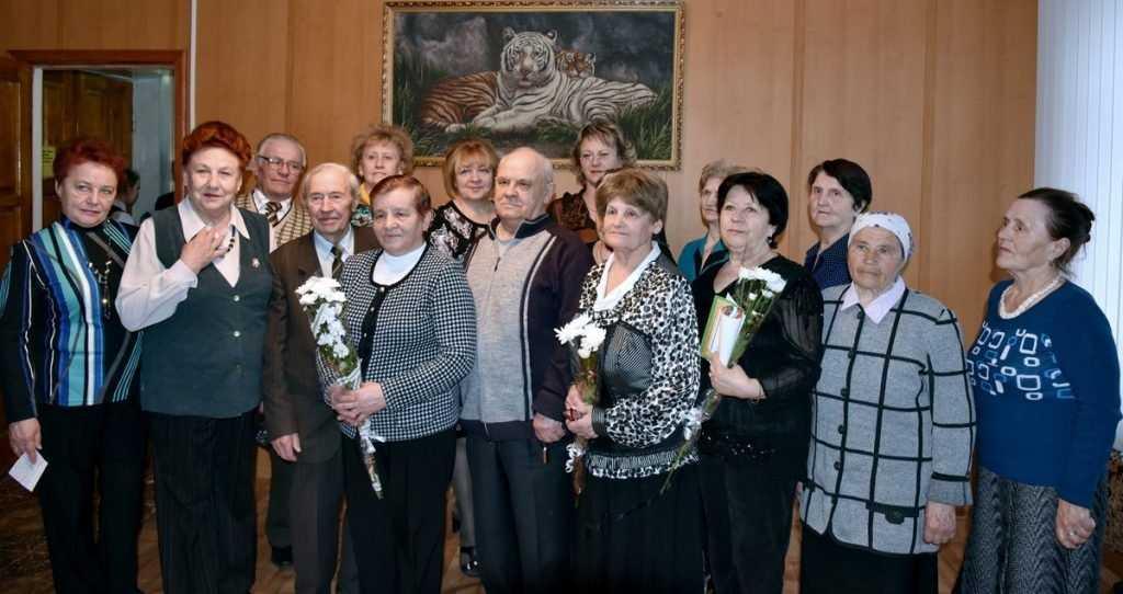 В Карачеве наградили за мужество переживших войну брянских узников