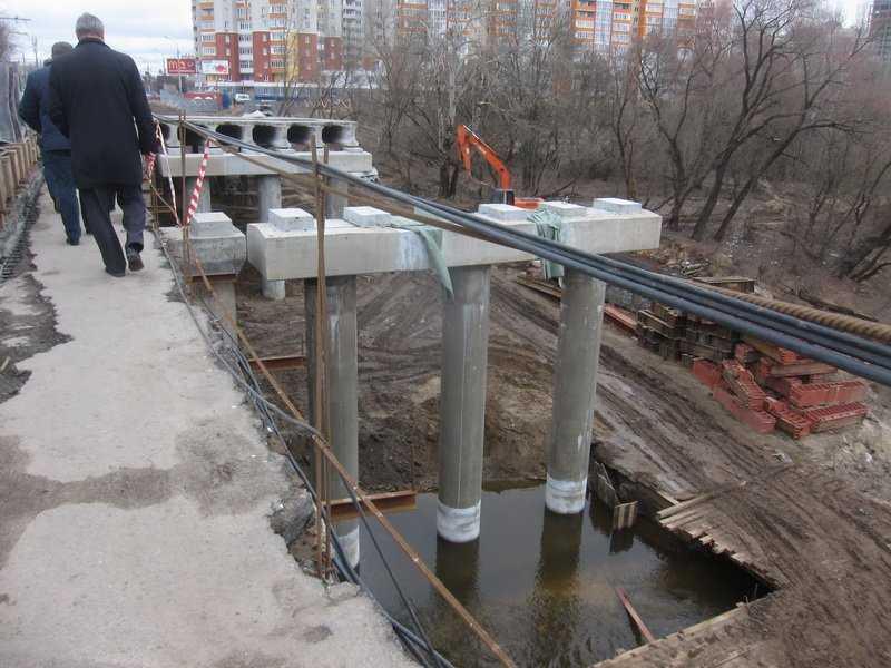 Строители Первомайского моста в Брянске «вышли из воды»