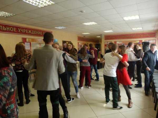 Для воспитанников брянской колонии студенты устроили бал