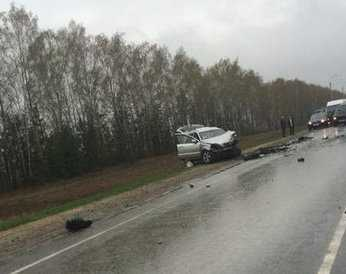На брянской трассе в страшной аварии погиб водитель