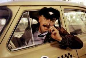 Брянские таксисты у вокзала учинили драку за клиентов