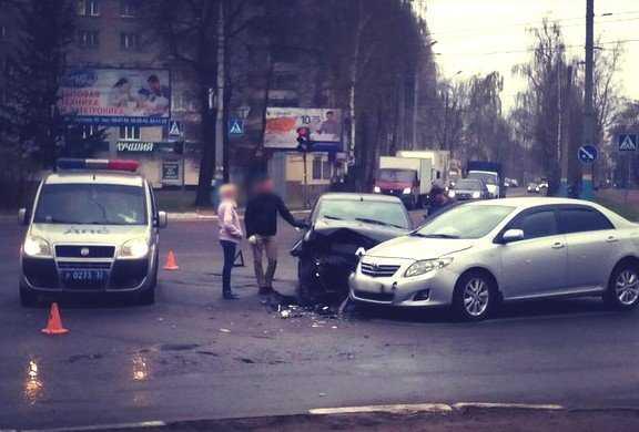 Юная пассажирка брянского такси пострадала в ДТП