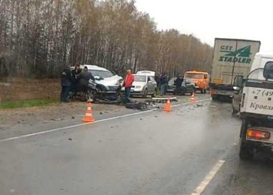 На брянской трассе столкнулись четыре автомобиля – погиб водитель
