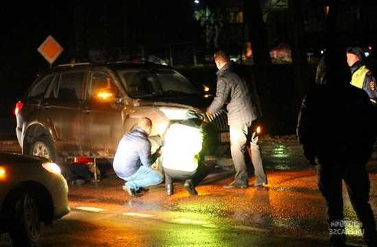 Под Брянском в ДТП с участием трех машин раздавили женщину