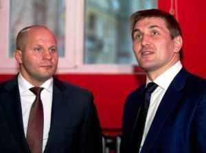 Емельяненко обвинили в нежелании драться с брянцем Минаковым