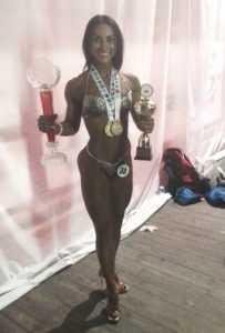 Брянская спортсменка Лагутина победила в состязаниях по бодифитнесу