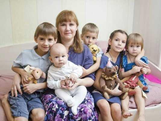 Многодетным брянцам помогут юристы «Семей России»