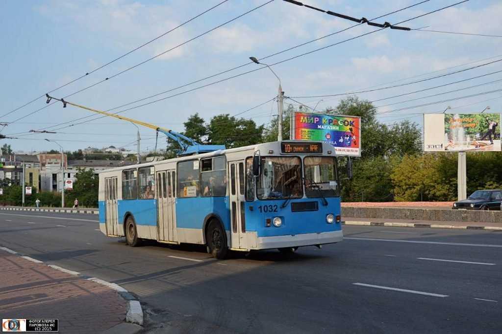 В брянском троллейбусе ушиблась пассажирка