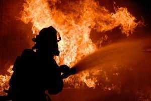 В брянской деревне сгорела пилорама