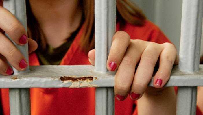 Брянская алкоголичка села на 6 лет за кражи и попытку убийства матери