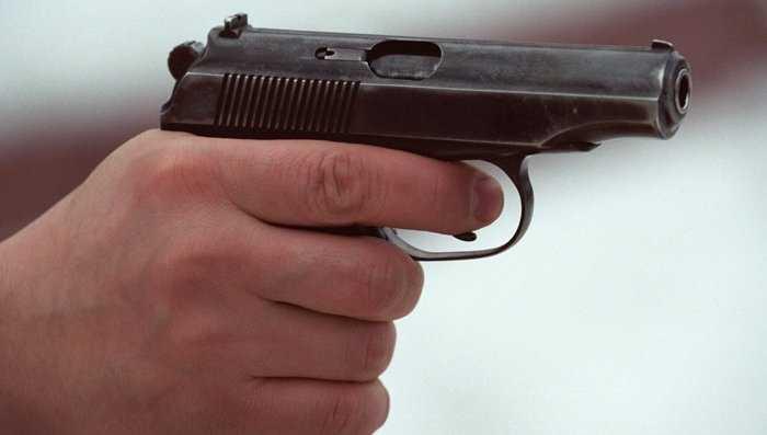В брянском райцентре подстрелили парня