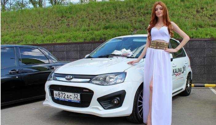 Брянцам показали выставку эксклюзивных  автомобилей