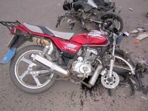 Брянский подросток погиб, угодив на скутере под грузовик