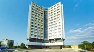 Гостиница «Брянск» отсудила у театра драмы более 136 тысяч рублей