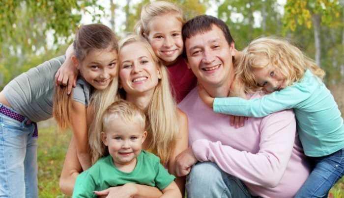 Брянцам подарят семейный праздник «Лучшее детям»