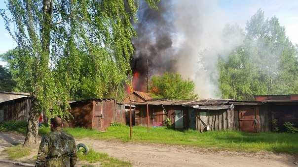 Брянцы сообщили об умышленном поджоге в Володарском районе
