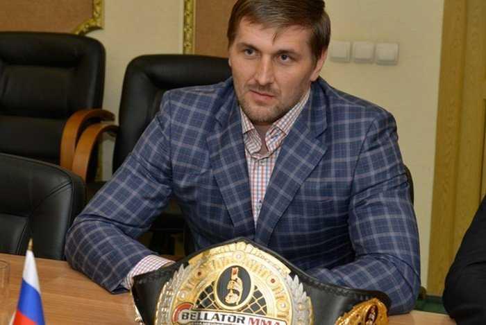 Брянского богатыря Минакова лишили чемпионского пояса за малое число боев