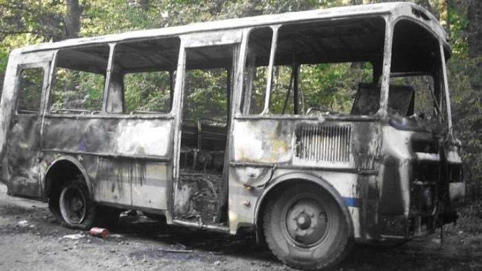 В Брянске потушили горевший автобус