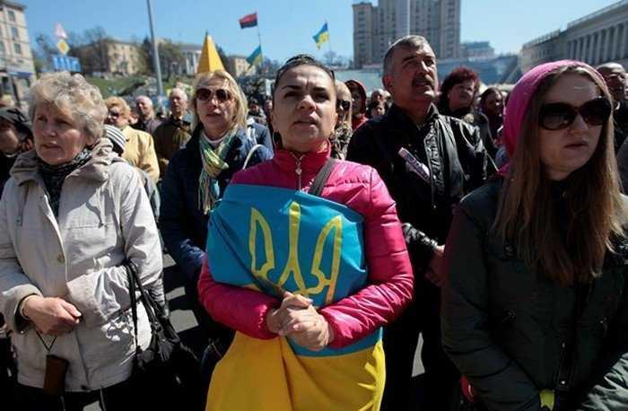 На Украине начали десятками увольнять врачей