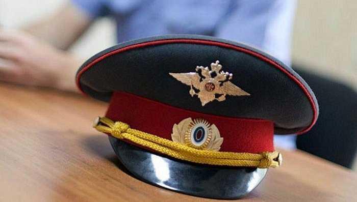 Брянский суд сократил срок полицейским, посаженным за взятку