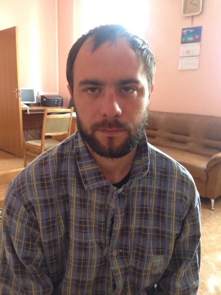 Брянская полиция попросила помощи в установлении личности странного мужчины