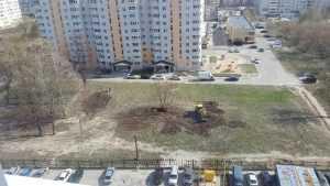 Жители Брянска создадут корт и сквер на отвоёванной у застройщика земле